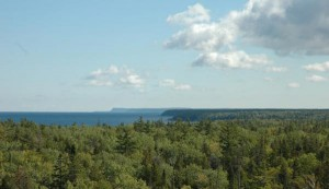 Georgian_Bay_from_lookout_Bruce_Pen_Nat_Park