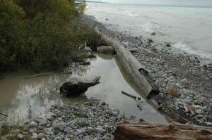 Dirty_Water_Lk_Huron_S_Goderich_same_place_as_clean