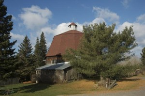 Round_Barn_east_of_Thessalon_North_Channel